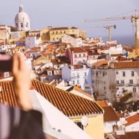 Discover Lisbon - Walking & Tram 28 Tour
