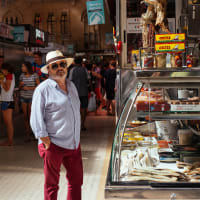 A Local Market Experience in Gracia