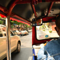 Tuk Tuk Journey to Thai Temples & Markets