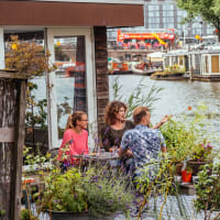 Life on a Houseboat: Local Friends & Stroopwafels