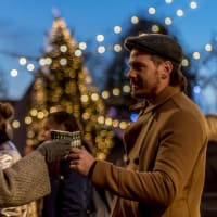 London's Magical Christmas Walking Tour