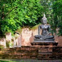 Explore the charming towns around Bangkok