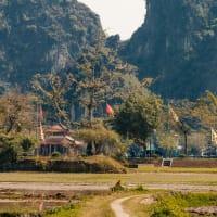 Non-Touristy Day Trip: Hoa Lu & Tam Coc
