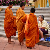 Collecting Alms with Monks in the Hidden Wonderland of the Temple District
