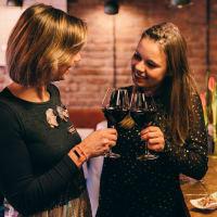 Bubbles, Wines & Bites