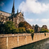 Island tour : Paris from the water