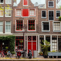 Historic Amsterdam Hidden Courtyards and Canal Tour