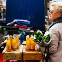 Market Food Tour: Dutch snacks & Stroopwafel