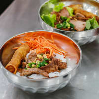 Tasty Vietnamese local food tours