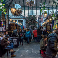 Christmas Shopping Tour: Markets & Boutiques