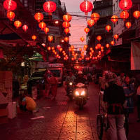 Bars, Markets & Street Food Night Tour