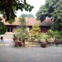 Visit Duong Lam ancient village and biking