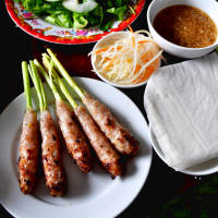 Enjoy special cakes of Hue right in Hanoi