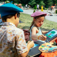 Artsy Family Day in Montmartre: Picnic & Crafts