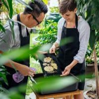 Lai Rod Num: Thai crafts gold workshop