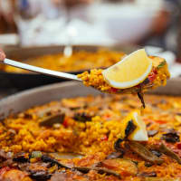 Classic Cooking Class: Paella, Tapas & Sangria with Market Visit