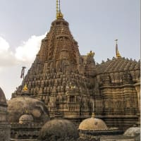 TEMPLE RUN..Explore the Cities rich Divinity!