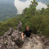 Hike on the Dragon's Backbone