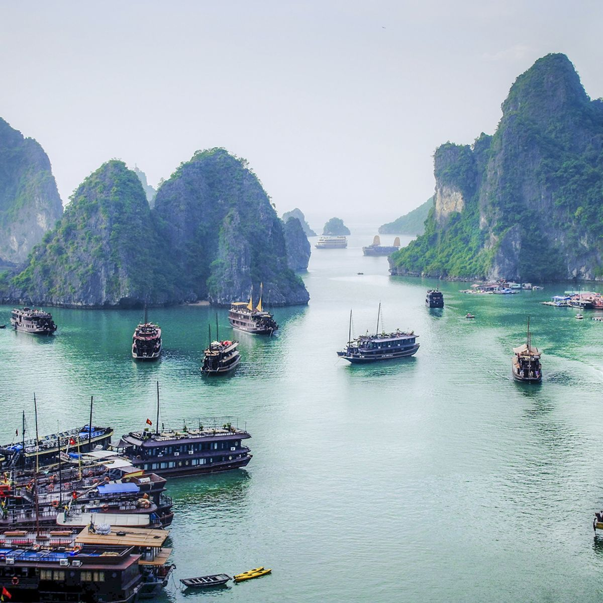 City tour - Hanoi - Vietnam - Drive and Cruise in Halong Bay!
