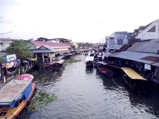 experience rural floating market amphawa ebbfc
