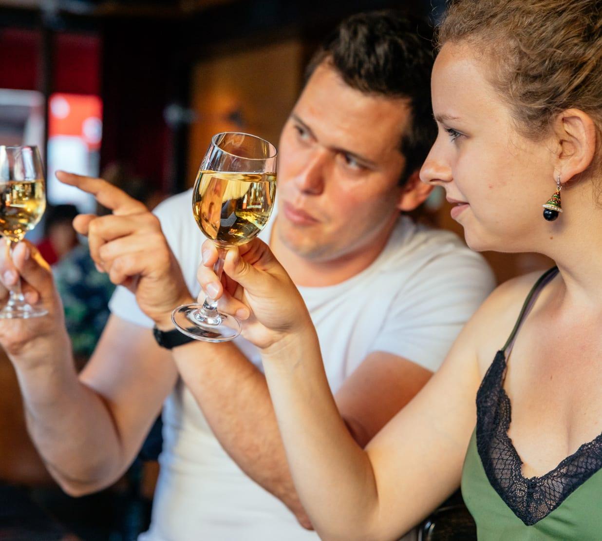 Das leckere Bohemien-Paris: Wein- & Käsetour - Kulinarische Tour in ...