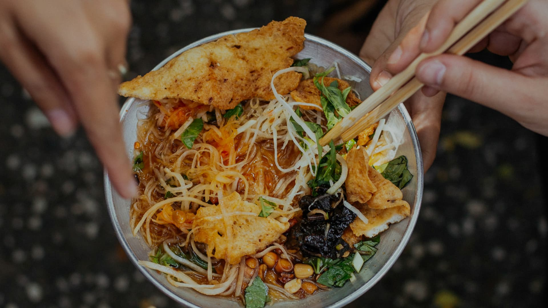 Saigon Street Food Tour: the 10 Tastings - Ho Chi Minh City - Withlocals
