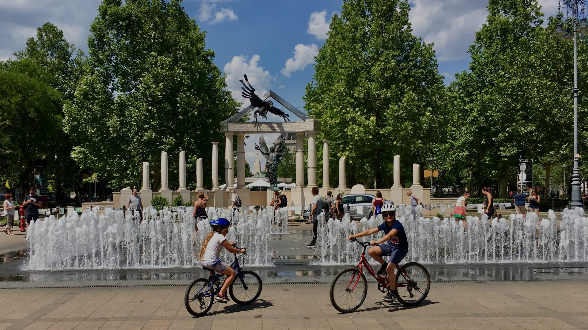 Madrid's Fun Ride: Family Friendly Bike Tour - Madrid